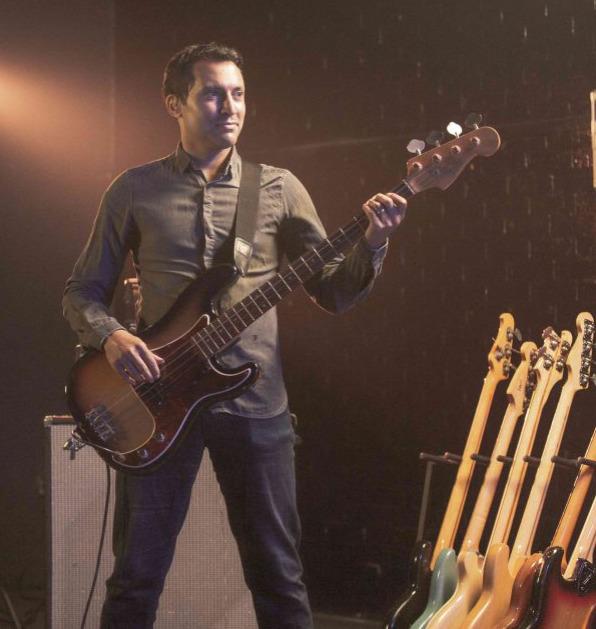 Dan Hawkins Bass Guitar Lessons For Beginners